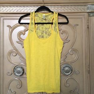 Color story yellow rose lace back tank size xl